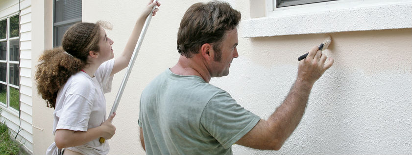 How to paint exterior stucco some helpful tips for Cost to have a house painted