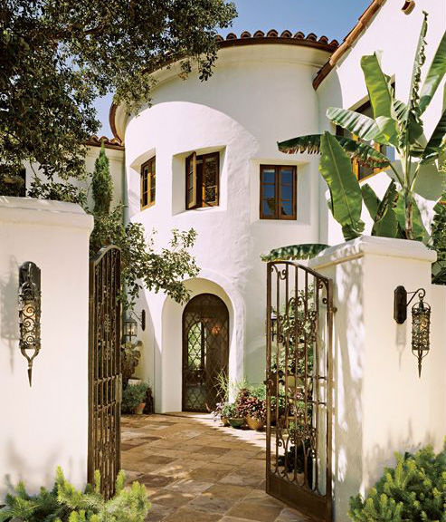 "Mediterranean Style Courtyard: How To Get That ""Spanish"" Stucco Look"
