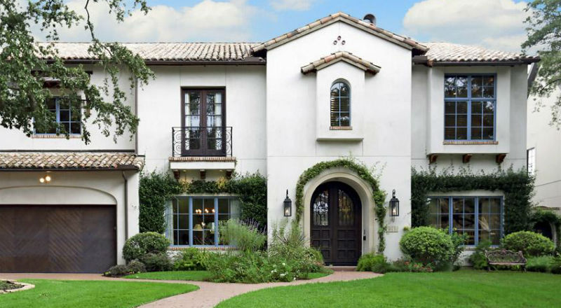 Sleek Stucco With A Spanish Influence