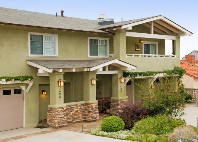Craftsman Style House With A Vibrant Color
