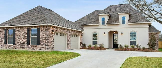 A Beautiful Stucco And Brick Home In La