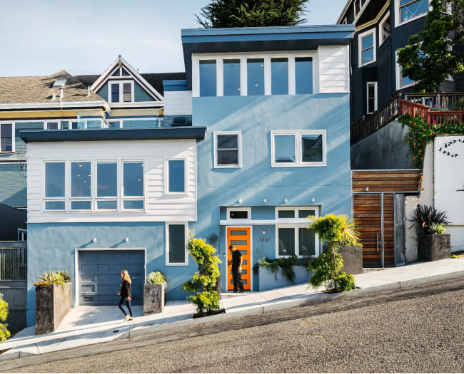A San Francisco Home With Light Blue Stucco